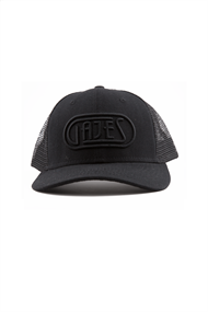 GAJES FULL BLACK TRUCKER