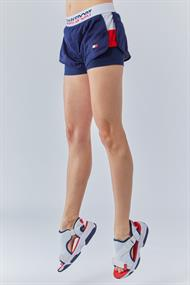 TOMMY HILLFIGER SHORTS WITH INNER TIGHT